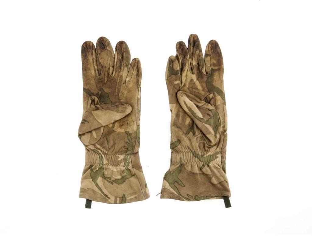 Menswear military glove